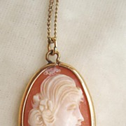 Shell Cameo Necklace Gold-filled