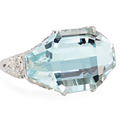 SALE Heaven: An Aquamarine & Diamond Ring