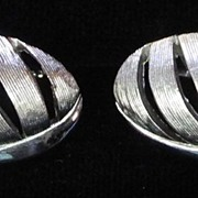 Silver-toned Oval Vintage Cufflinks, by Swank