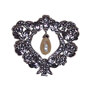 Beautiful Silver Tone Flowered Open Heart With Drop Imitation Pearl Brooch