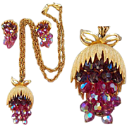 Cascading Chunky Burgundy Fuchsia and Pink Crystal Parure Necklace with Earrings