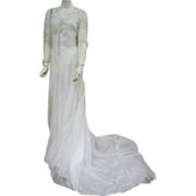 Gorgeous 1930s - 1940s Batiste Wedding Gown Elegant Train Size Small - Medium
