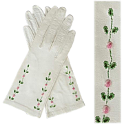 1960s Embroidered Roses on White Kid Leather Gloves Unworn Size Small