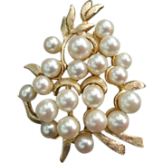 SALE Heavy Solid 14K Cultured Pearls Brooch Pin 16.3 Grams
