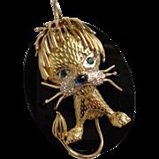 Stunning Large 18K Yellow Gold Onyx Pendant with a Baby Lion Sapphire Emerald Diamonds