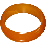 Vintage Caramel Catalin Bakelite Bangle Bracelet