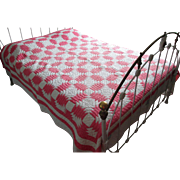 """Pink & White Vintage Patchwork """"Pineapple"""" Quilt"""