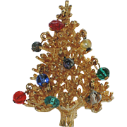 SALE RARE Schrager 1950's 3D Crystal, Glass & Faux Pearl Christmas Tree Pin