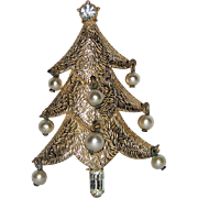 SALE VERY RARE Castlecliff Signed 1952 Dangling Pearl & Baguette Christmas Tree Pin ~ Book Pie