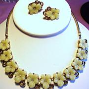 Vintage Trifari Pale Yellow Molded Glass Flower Necklace Earrings Demi Parure