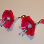 Rare Vintage Hattie Carnegie Fiber Hot Pink Mod 60's Duster Earrings Flowers