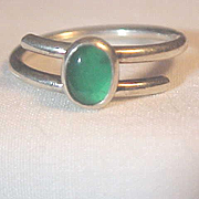 Ring Sterling Silver Green stone filled Back Atomic Modernist Size 7 Great