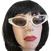 REDUCED Cat Eye Glasses Sunglasses Vintage 1950s Cool-Ray Polaroid 145