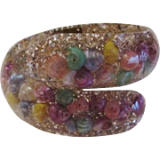 Confetti Lucite Clamper Bracelet Vintage 1950s Seashell Pastel Spring Summer
