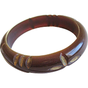 Bakelite Bangle Bracelet Vintage 1940s Deeply Carved Rootbeer Painted Gold