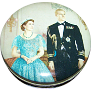 Small Mid Century  Royalty Photographic Style Advertising Tin Huntley  & Palmers Biscuits