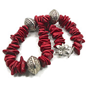 Red Stone Howlite Necklace - Big Beaded Bohemian Dream - InVintageHeaven
