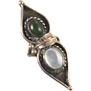 Green Turquoise & Mother of Pearl Sterling Silver Ring - Vintage 1960s - Size 5.5 - InVintageH