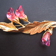REDUCED Mid Century Pink Acrylic Floral Pin Brooch