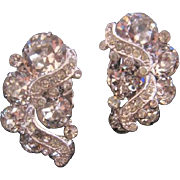 Vintage Weiss Clear Rhinestone Earrings