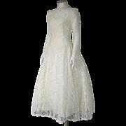 Vintage 1980s Buttercream Ivory Lace Wedding Dress with Crinoline S