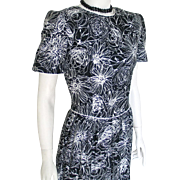 Vintage 1980s Black and White Floral Print Cotton Day Office Dress with White Piping by ...
