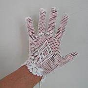 Vintage Crocheted Gloves Creamy Off White Diamond Back Design