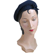 "Vintage 1960s ""An Everitt Original"" Navy Blue Coiled Wool Beret with Self Bow Tie Tr"