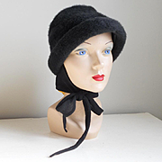 Vintage 1960s Black Faux Fur Bucket Hat with Knit Ties