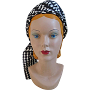Vintage 1960s Mod Op Art Navy Blue White Turban Hat with Tails