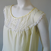 Vintage 1960s Pastel Yellow Nightgown with Lace Trim Full Length L