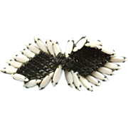 Vintage Hattie Carnegie Japanned Black And White Brooch/Pin
