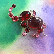 SALE Adorable Designer Ruby Red Cabochon Rhinestone Vintage Brooch/Pin