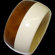 Vintage Marbled Caramel and Cream Laminated Lucite Bangle Bracelet