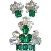 SALE 1940s Retro Eisenberg Emerald and Clear Rhinestone Fur Clip and Earrings