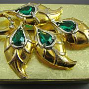 SALE 1930s Gold Tone Emerald Rhinestone Brooch