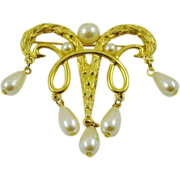SALE Imitation Pearl and Gold Tone Brooch