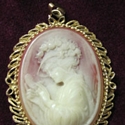 SALE SALE Vintage cameo beautiful lady pendant