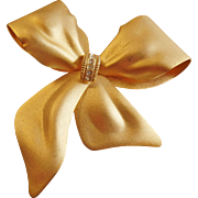 Vintage Matte Gold Rhinestone Bow. Large Ribbon Pin. Textured. Christmas. Holiday.