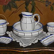 ~~~ Pretty French Doll´s Porcelain Toilette Set ~~~