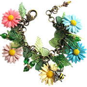 SOLD Daisy Charm Bracelet with Bumble Bee and Daisies in Five Colors