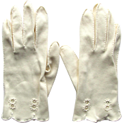 Vintage Cotton Gloves in Champagne Shade with Embroidered Cut-Out Accents Size 7