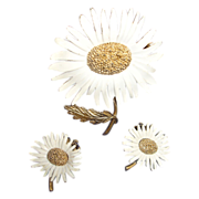 Vintage Marvella Daisy Flower Demi Parure - Floral Brooch and Earrings Jewelry Set