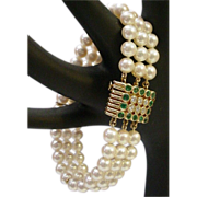 Magnificent Cultured Pearls ,Emerald and Diamond Bracelet