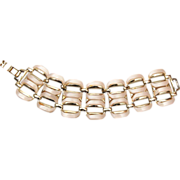 SALE Cream Colored Thermoset Bracelet – Awesome Condition