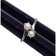 SALE 10kt White Gold and Pearl Ring Size 6-3/4