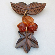 SALE FABULOUS Carved Vintage WOOD Brooch Dangly Vintage Plastic Beads c.1940's