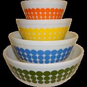 "Pyrex Set of 4 ""New Dots"" Mixing Bowls 1968"