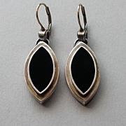 Navette marquise shape silver  earrings and black velvet