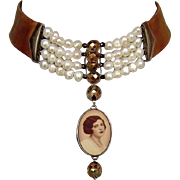 Romantic woman cameo silver pendant pearls crystals leather necklace